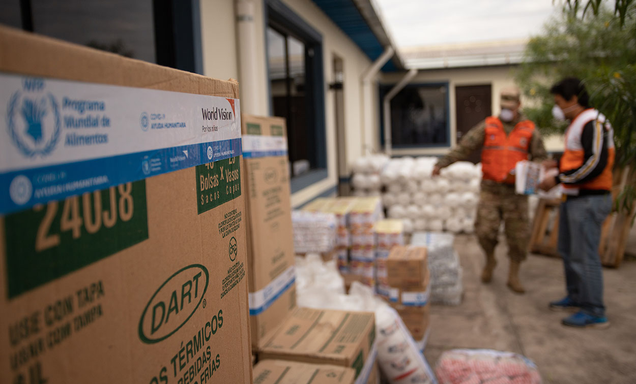 Dotación de alimentos para niños de albergue temporal