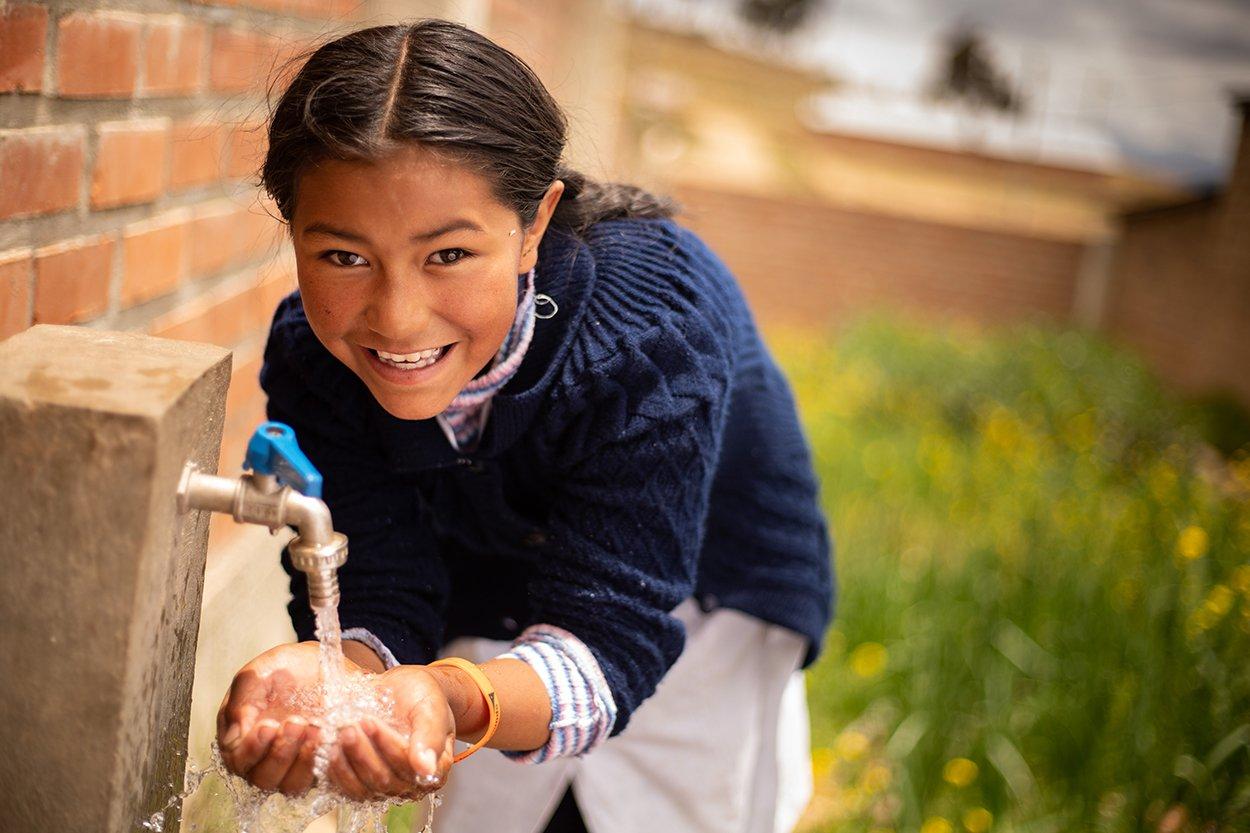 World Vision niña higiene