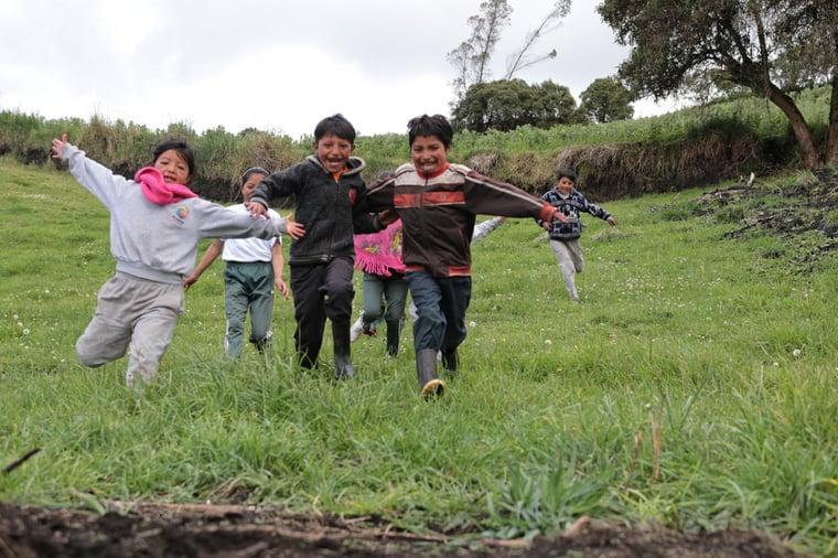 Niños corriendo. Sierra (6)-1